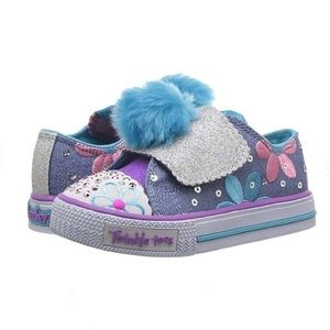 NWT Skechers Light Up Twinkle Toe Pom Daisy Shoes